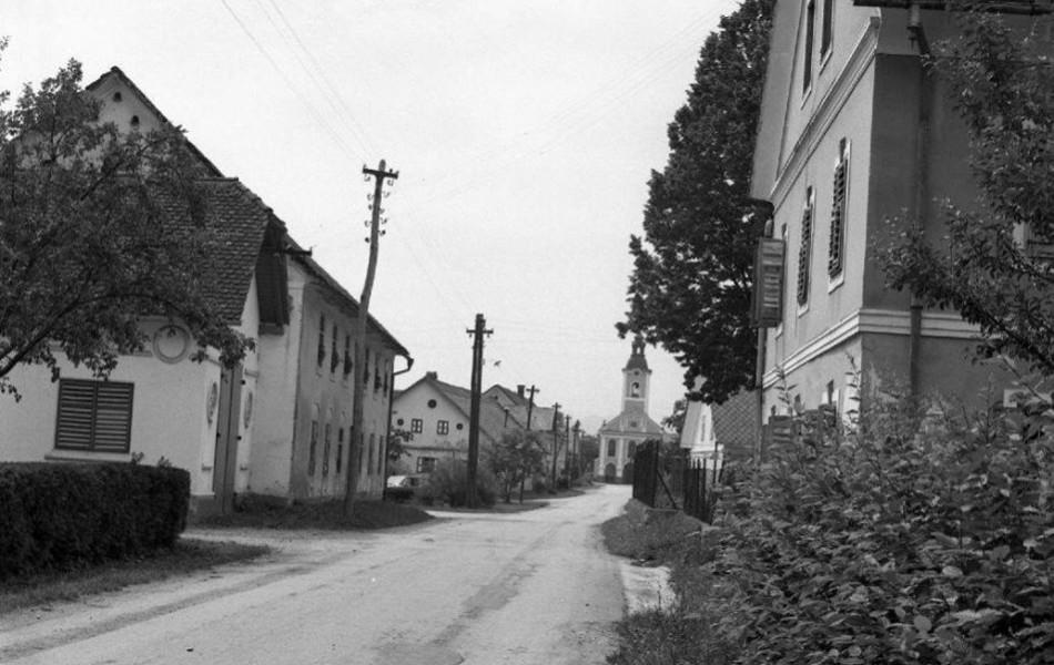 Na vasi - stari gasilski dom